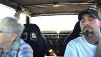 Conduire avec Mamie