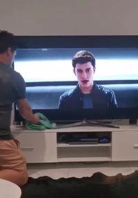 Nettoyage de télévision
