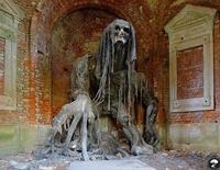Mausolée abandonné en Pologne