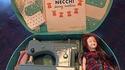 Beau jouet de Noël pour fillettes dans les années 50
