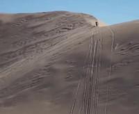 Big air jump dans le désert