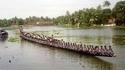 Kan tu promènes tes potes en barque aux îles Fidji
