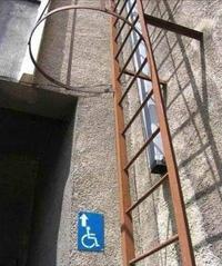 Issue de secours pour handicapés
