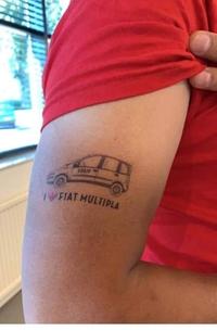 En avant première : le nouveau tatouage de Magnu