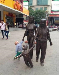 La statue prend vie