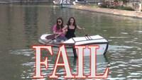 2 girls  1 barque
