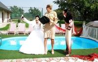 Rhôôôô, la mariée va être bien moite dans 5, 4, 3, 2...