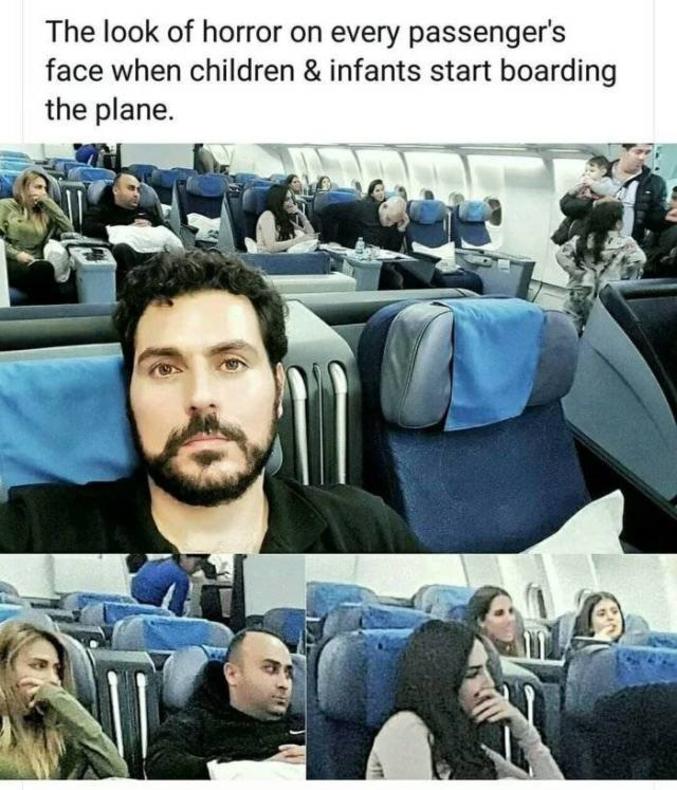 L'horreur se lit sur le visage des passagers.