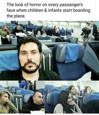 Kan les enfants montent dans l'avion