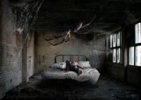 Avoir une araignée au plafond...
