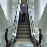 Attention aux descentes en escalator
