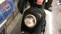 Minou dans le métro