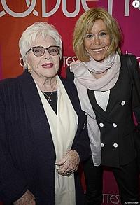 Photo de Line Renaud et sa mère.
