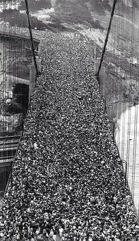 1937 : Jour de l'inauguration du Golden Bridge à San Francisco