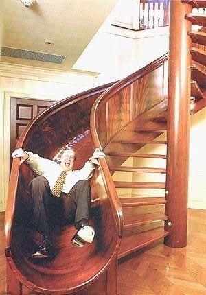 escalier toboggan. Black Bedroom Furniture Sets. Home Design Ideas