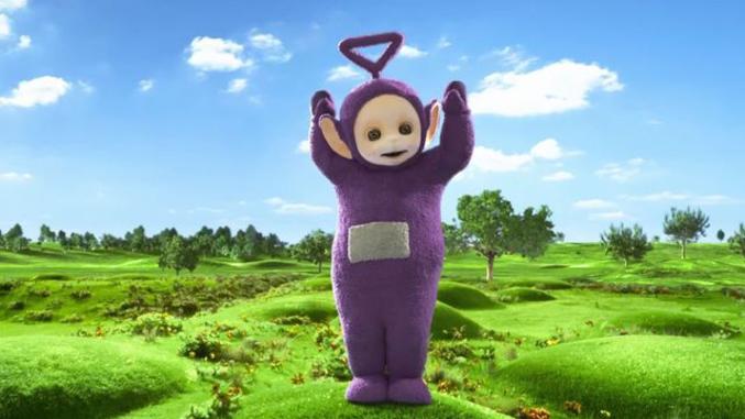 Dipsy, Laa Laa et Po sont en deuil. Simon Shelton Barnes, qui jouait Tinky Winky, le personnage violet, dans Les Télétubbies, série pour enfant diffusée sur la BBC entre 1997 et 2001, est décédé le 17 janvier dernier, a annoncé sa nièce, la comédienne britannique Emily Atack, sur son compte Instagram.