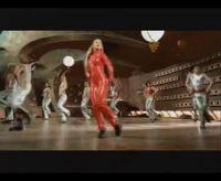 Quand Britney a un troupeau de félins dans la gorge