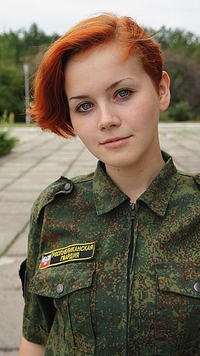 Les russes ont vraiment l'arme absolue: des rousses dans l'armée !