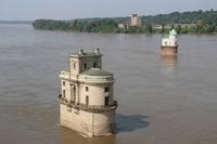 Bâtiments de prise d'eau sur le Mississipi au nord de Saint-Louis...