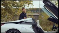 Monter dans une BMW i8 ?