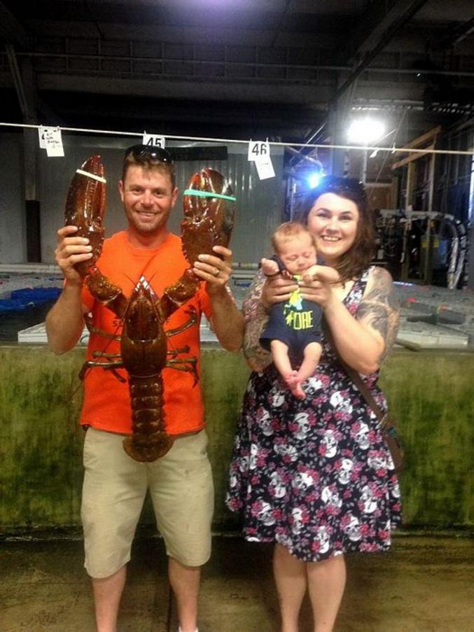 ...ou s'il a gagné un bébé pour la pêche d'un beau homard ?????
