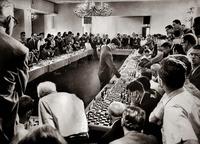 Bobby Fischer affrontant 50 adversaires en même temps