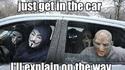 Monte dans la voiture