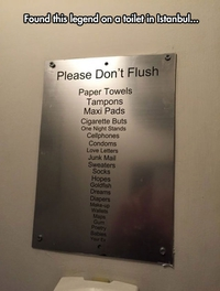 Tout ce qu'il ne faut pas jeter dans les toilettes d'un établissement d'Istanbul