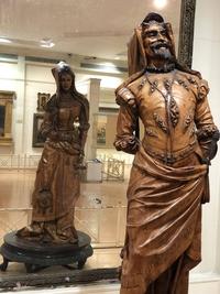 Statue double face de Méphistophélès et de Marguerite
