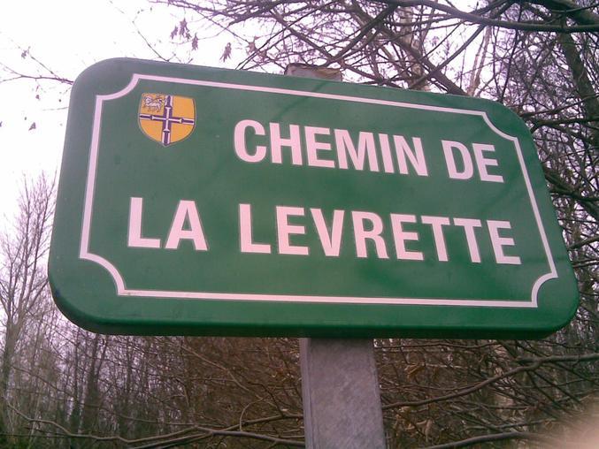 Un nom de rue à double sens.