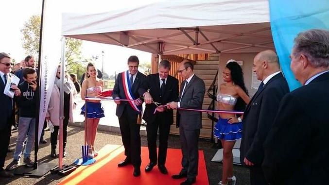 ... Philippe Briand et Bertrand Ritouret (respectivement maires de Tours et de Luynes) inaugurent la nouvelle station d'épuration. (sic!)