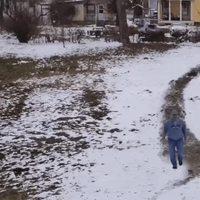 Ce n'est pas en skiant...