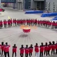 Tambouriner en groupe