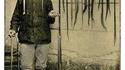 Jean Martin, chasseur de vipères à Saint Laurent de la Plaine vers 1910.