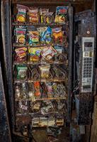 Distributeur abandonné année 80
