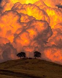 Nuages orageux dans la Sierra Nevada