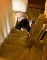 Il faut bien savonner les marches de l'escalier...
