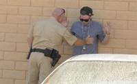 Un magicien vend du cannabis à la police !