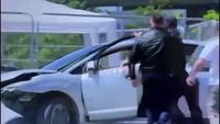 Pour arrêter une voiture folle, mettez un Albanais sur le coup