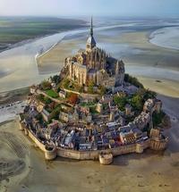 Vue du Mont-Saint-Michel à marée basse