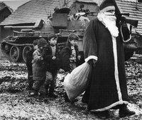 Le père Noël armé