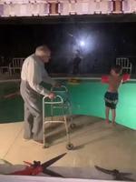 apprendre à nager , la leçon de papy