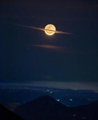 Kan la Lune se prend pour Saturne