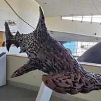 Requin-marteau fait avec des têtes de marteaux