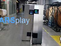 Cosplay du robot TARS du film Interstellar