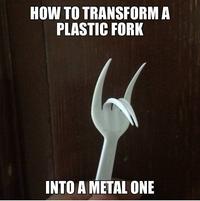 Recycler une fourchette plastique