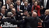 Pendant ce temps, au Parlement turc...