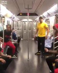 Cool session dans le métro