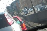 Passer le temps dans les embouteillages