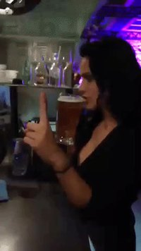 Deux secondes, je finis ma bière